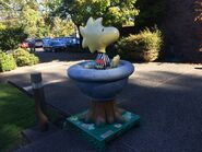 Woodstock in fountain statue 02