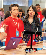 Icarly lede 03-100th-episode-Nickelodeon-Stars-Miranda-Cosgrove-As-Carly-Shay-And-Nathan-Cress-As-Freddie-Benson-At-In-The-Pear-Store-Nickelodeon-TV-Show-iCarly