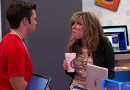 ICarly-iPear-Store-Episode-9