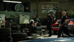 1x09 - Carter Hector's shop