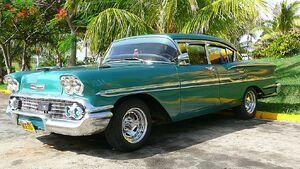 Chevrolet-Biscayne-1958