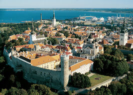 Tallinn-old-town-toompea