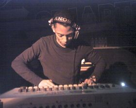 750px-Jeff Mills