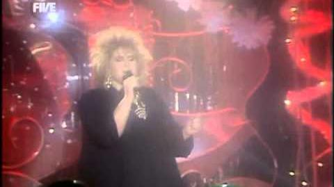 Alison Moyet - That OIe Devil Called Love @ TOTP 25-12-1985