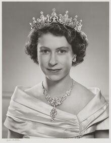 Queen-0