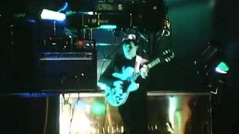 Simple Minds-Someone Somewhere (Live Newcastle 1982) REMASTERED STEREO