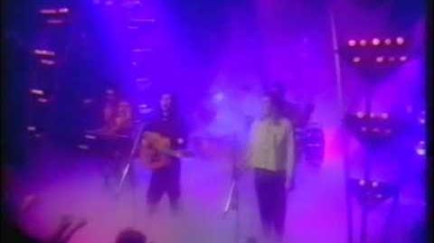 The Dream Academy – Life In A Northern Town (Studio, TOTP)