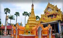 Dhammikarama Burmese Buddhist Temple Penang Malaysia - Golden Pagoda