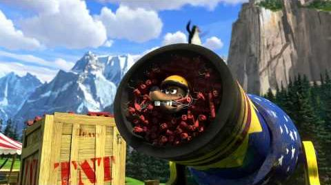 "Madagascar 3 - ""Human Cannonball"" Clip"