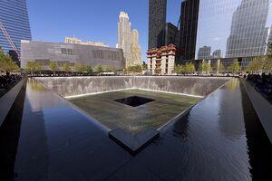 800px-New York - National September 11 Memorial South Pool - April 2012 - 9693C (1)