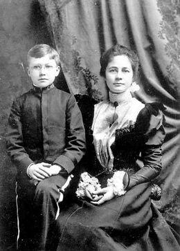 EzraPound&IsabelPound1898