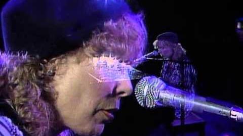 Joni Mitchell - Dog Eat Dog (Live at Farm Aid 1985)