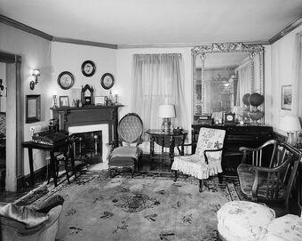 752px-Anne Spencer house interior Lynchburg Virginia