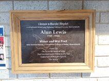 Alun Lewis, bardd, plac Prifysgol Aberystwyth