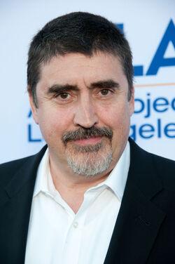Cast Alfred Molina