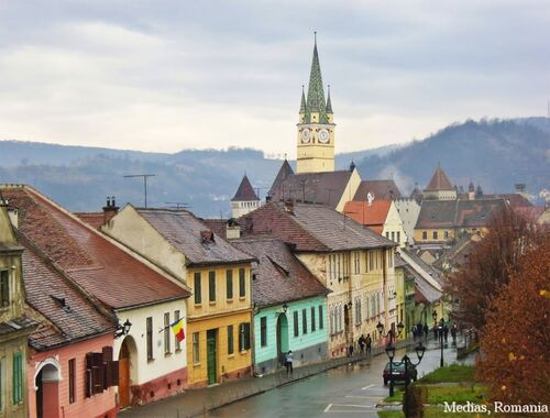 Medias-Romania-medieval-european-architecture-romanian-cities-romania-32258417-1024-778