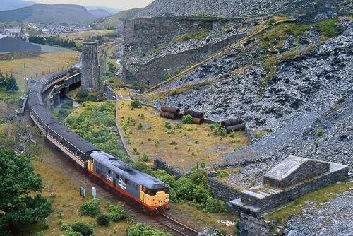 Train in Blaenau Ffestiniog