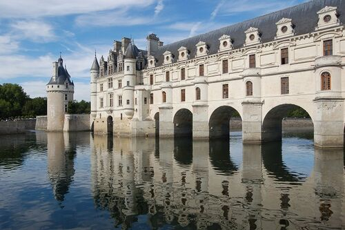 Private-Guided-Tour-of-the-Loire-Valley-castles-Chenonceau-History-France-Private-Guided-Tours
