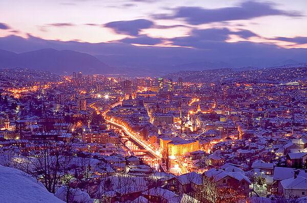 Sarajevo-zima-noc 1597866324