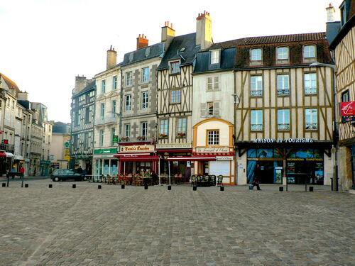 Placede Gualle in Poitiers