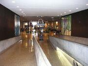 800px-Gateway Arch visitors center