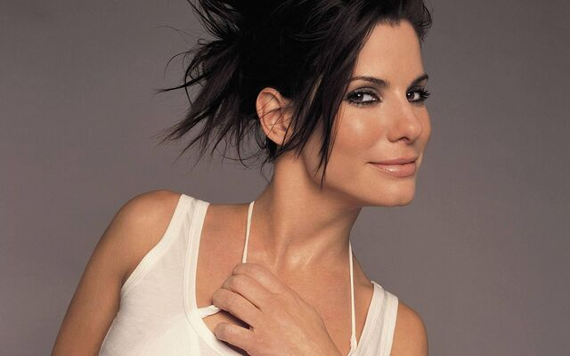 File:Sandra-Bullock- - Silvia von Adelsfeld.jpg