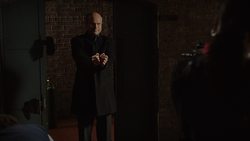 1x19 - Elias se rinde