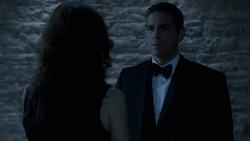1x08 - Reese conoce a Kara