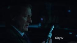 2x14 - Ingram arma
