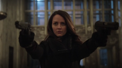 3x17 - Root disparando