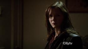 2x10 - POI Abby