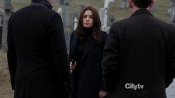 2x16 - Shaw cementerio
