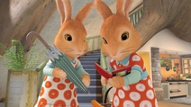 Flospy and Mopsy looking at Peter's journal