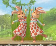 Twin-Sister-Rabbits-Mospey-And-Flospey-Rabbit-Image