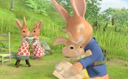 Peter-Rabbit-Family-Sisters-Brother-Hugs-Cute-Image