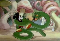 Mickey-s-Garden-mickey-mouse-39790380-500-347
