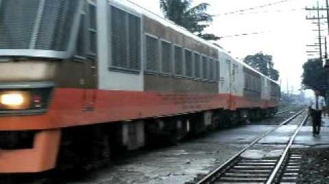 PNR KOGANE 59 Train passing Tayuman Crossing