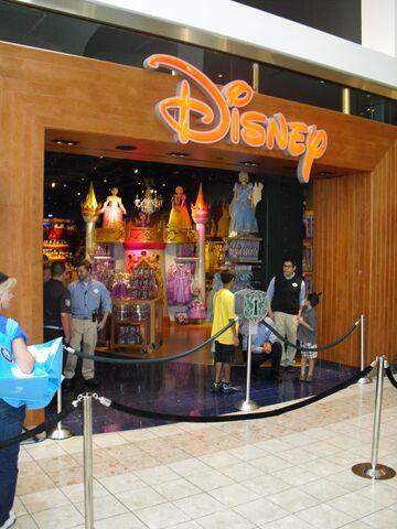 File:Make-A-Wish at Disney Store opening.jpg