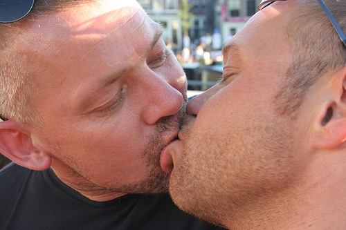 File:Guy kiss a another guy.jpg