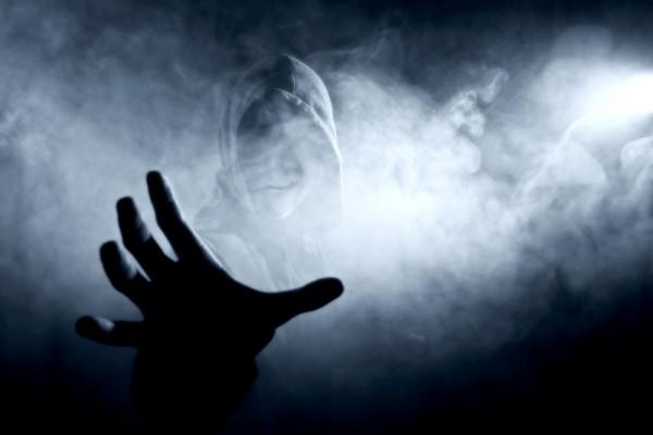 File:Smoke Ghost Hand.jpg