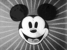 Title card Mickey Mouse noir et blanc