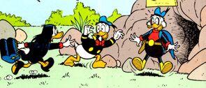 Donald et Picsou pris par surprise par Miss Tick.