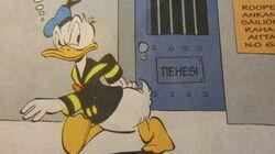 Hr-Donald devant un dépôt