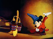 Mickey et Balais L'Apprenti sorcier
