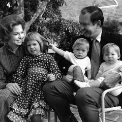 Sharon Disney, fille cadette de Lillian et Walt, ici en compagnie de son mari William Lund et de ses enfants Victoria Brown et Brad et Michelle Lund.