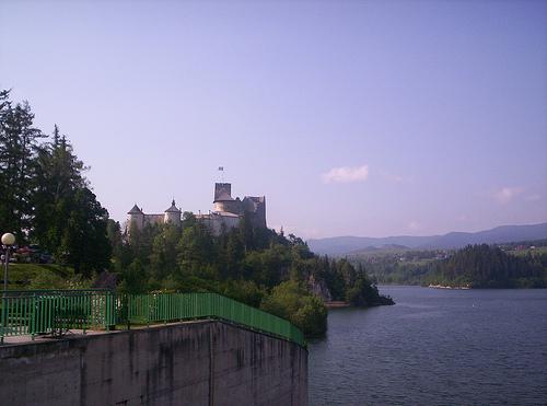 Plik:Castle in Niedzica..jpg