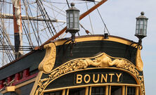 Hms-bounty-2