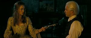 Elizabeth Swann minaccia Cutler Beckett