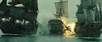 HMS Endeavour esplode