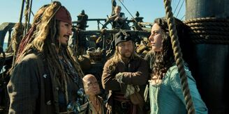 Johnny-depp-and-kaya-scodelario-in-pirates-of-the-caribbean-5